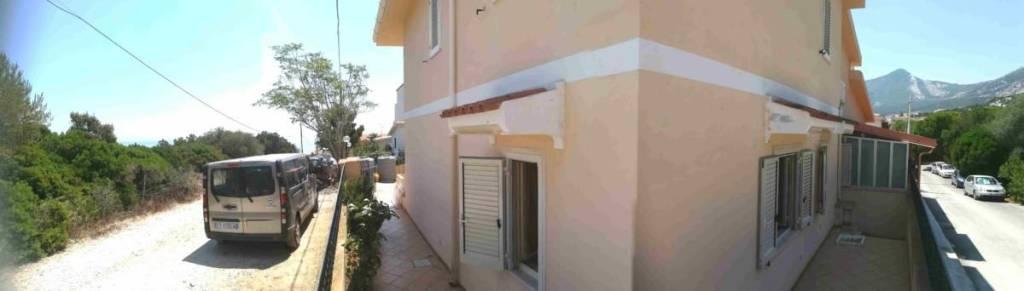 Appartamento in vendita a Dorgali, 4 locali, prezzo € 130.000 | PortaleAgenzieImmobiliari.it