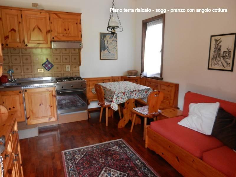 Appartamento in buone condizioni arredato in vendita Rif. 7583694