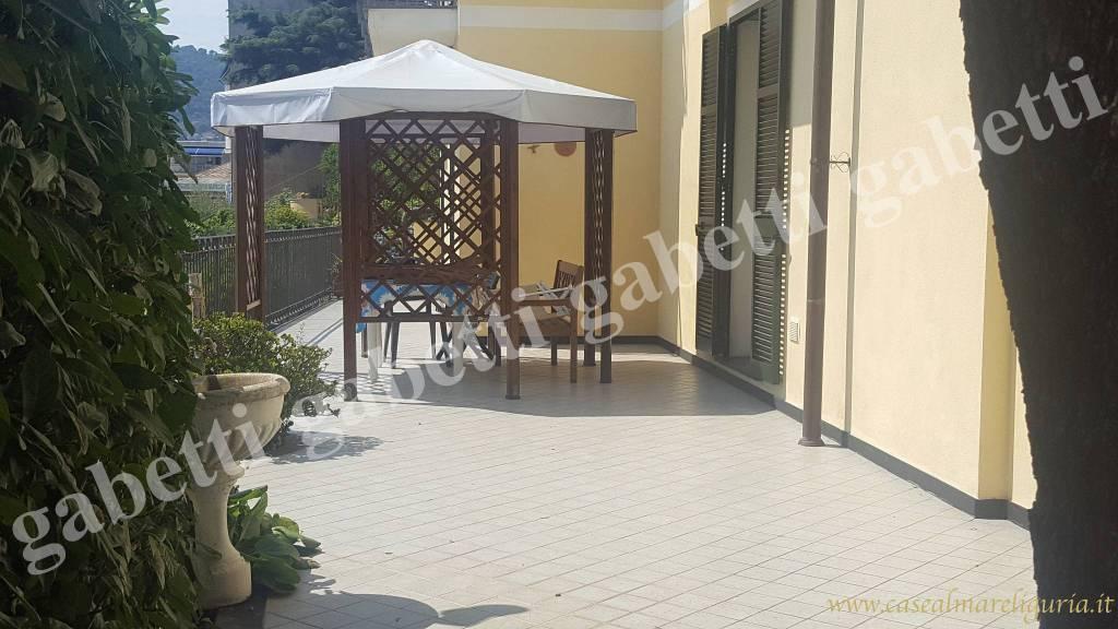 Appartamento in ottime condizioni arredato in vendita Rif. 8651538
