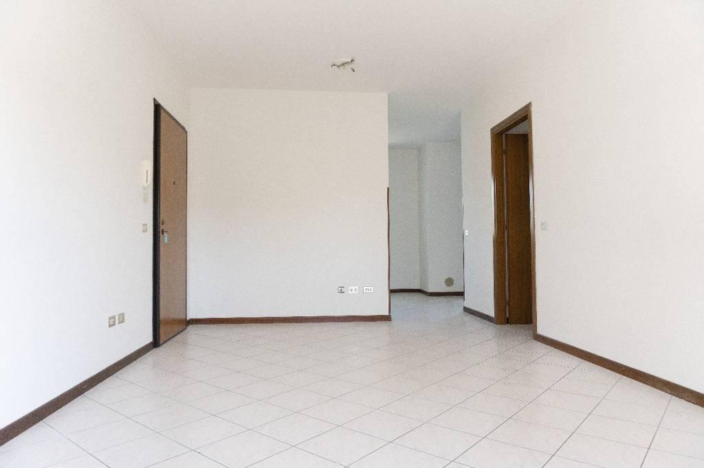 Appartamento in ottime condizioni in vendita Rif. 7587427