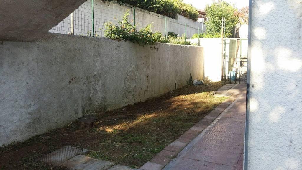 marechiaro piano terra giardino 3 camere vuoto