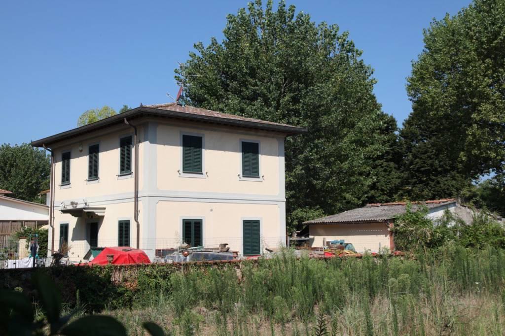 Villa in ottime condizioni parzialmente arredato in vendita Rif. 7591955