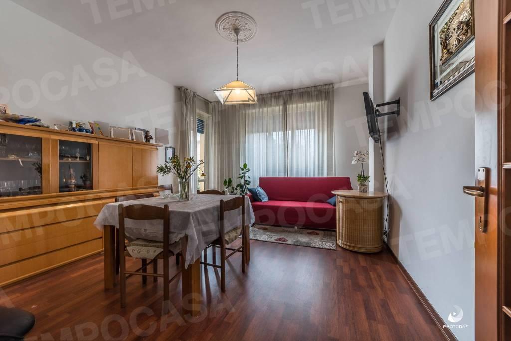 Appartamento in ottime condizioni in vendita Rif. 7591981