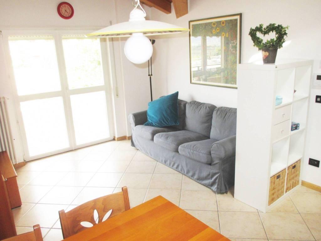 Appartamento in ottime condizioni arredato in vendita Rif. 7591902