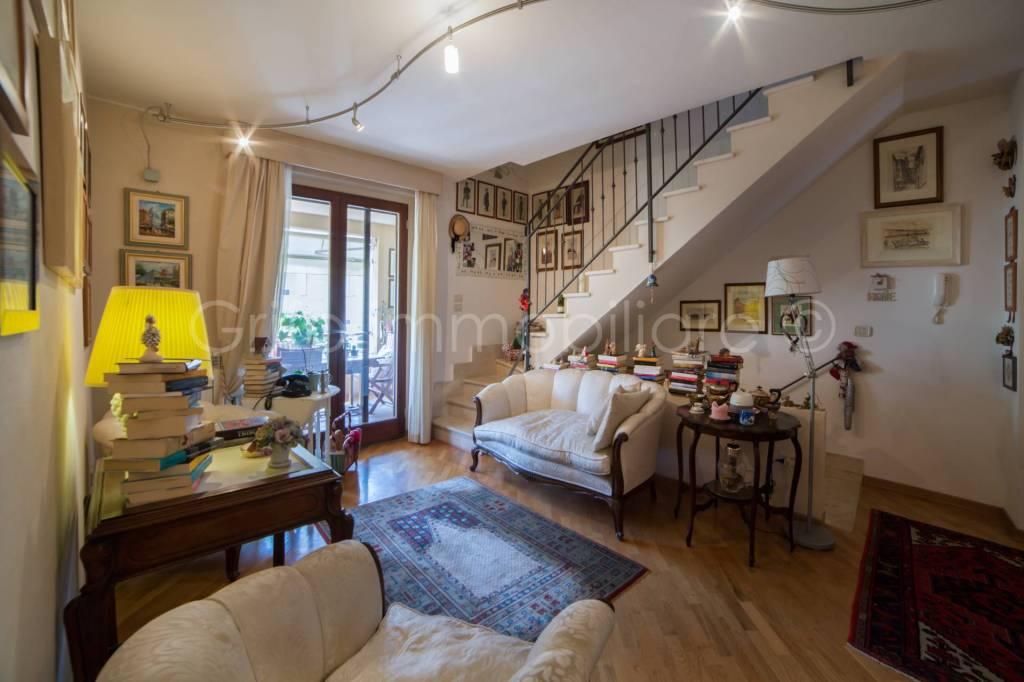 Appartamento in ottime condizioni in vendita Rif. 7591925