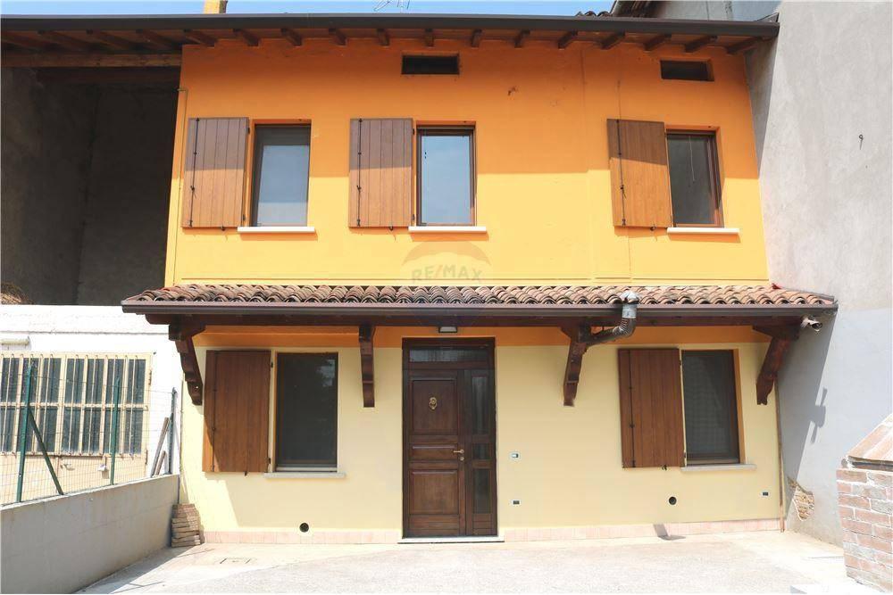 Soluzione Indipendente in vendita a Calvisano, 6 locali, prezzo € 137.000 | CambioCasa.it