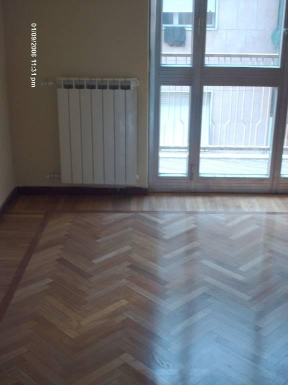 Appartamento in buone condizioni in affitto Rif. 7594081