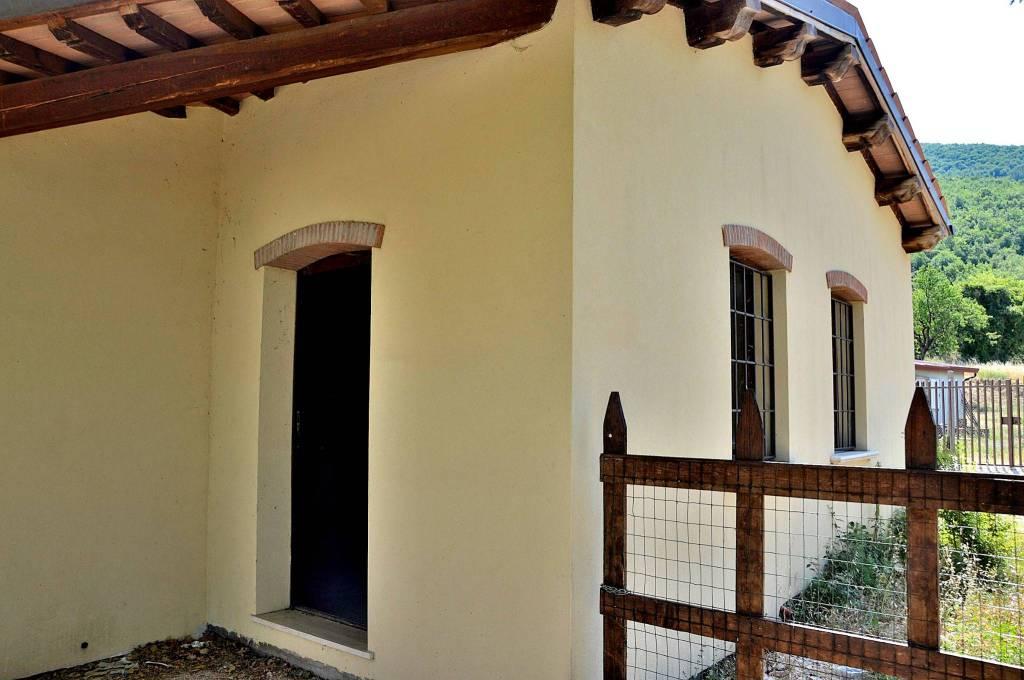 Rustico / Casale in ottime condizioni in vendita Rif. 7594174