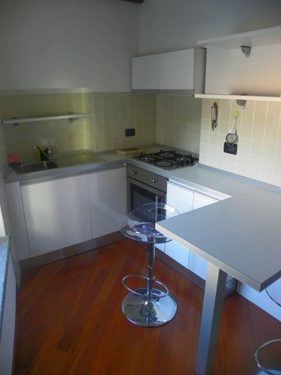 Appartamento in ottime condizioni arredato in affitto Rif. 7593806
