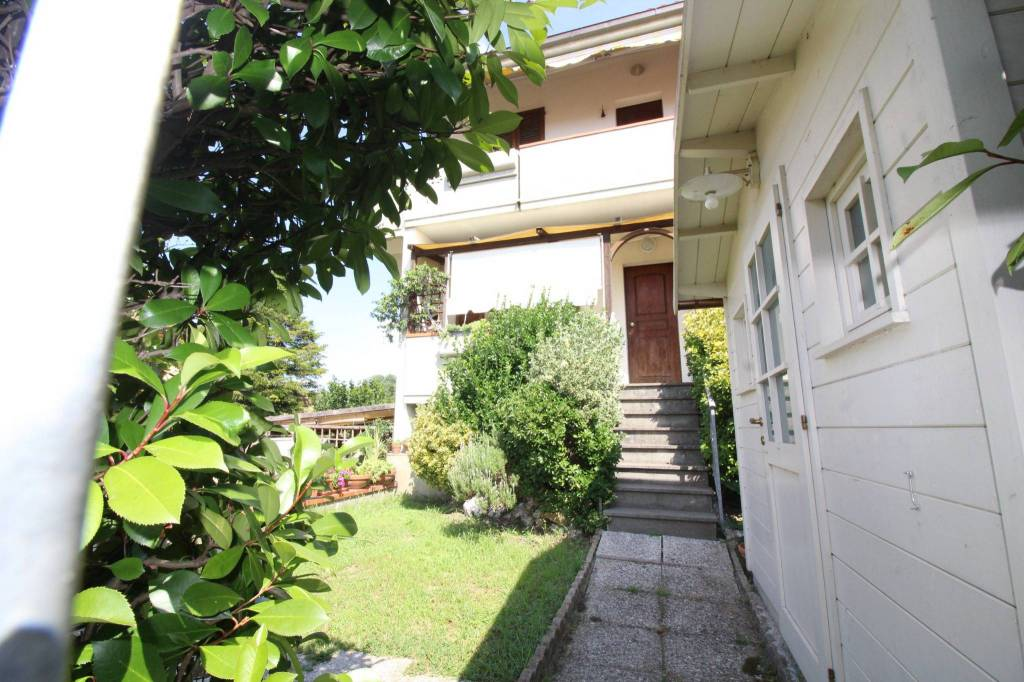Appartamento in buone condizioni in vendita Rif. 7593902