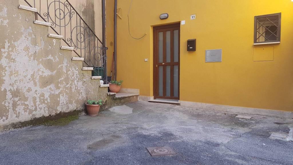 Appartamento in ottime condizioni in affitto Rif. 7594395