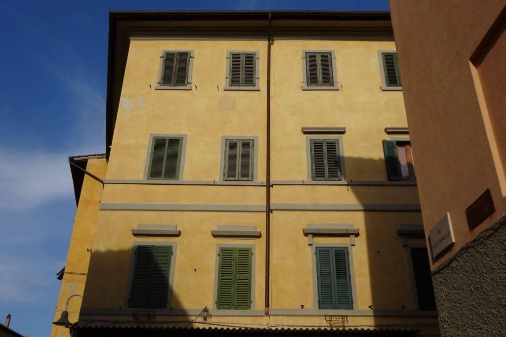 Appartamento in buone condizioni in vendita Rif. 7594184