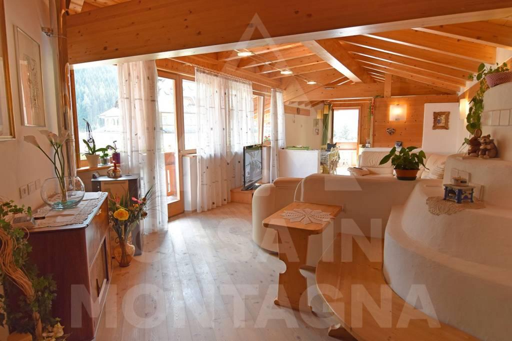 Appartamento in ottime condizioni arredato in vendita Rif. 7600709