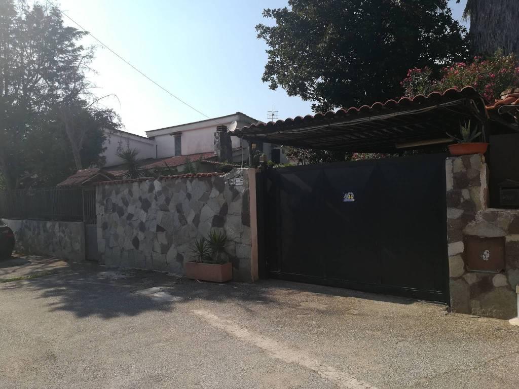 Villa in buone condizioni in vendita Rif. 7600455