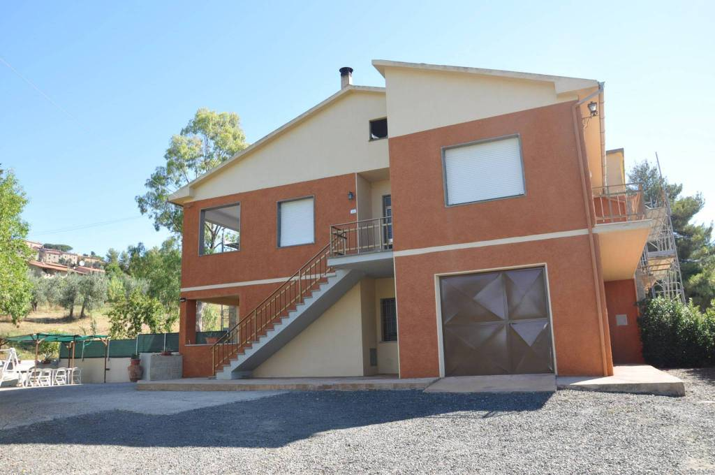 Appartamento in ottime condizioni parzialmente arredato in affitto Rif. 7600687