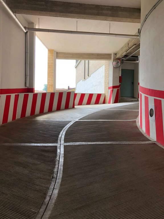 Posti auto coperti via Sant'Anna, Avellino Rif. 7603104