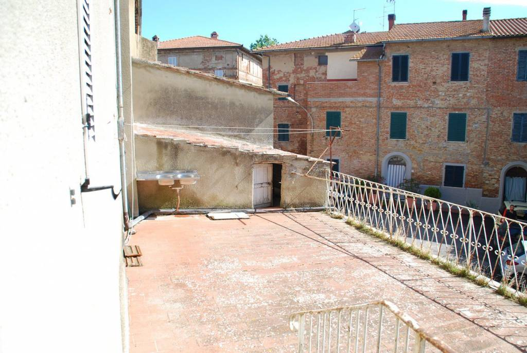 Palazzo in Vendita a Castiglione Del Lago Centro: 5 locali, 500 mq