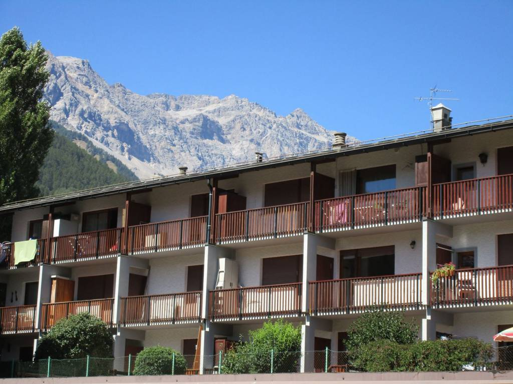 Appartamento in ottime condizioni arredato in vendita Rif. 7605391