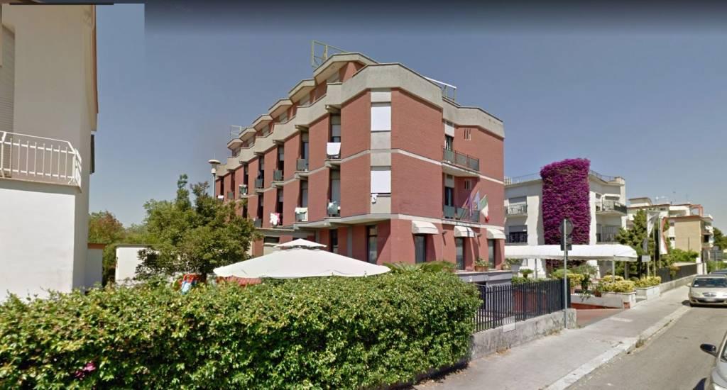 Hotel Via Scaravelli, 14 Latina (LT) Rif. 7612000