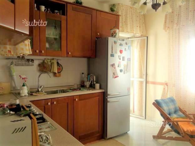 Appartamento in buone condizioni in affitto Rif. 7611867