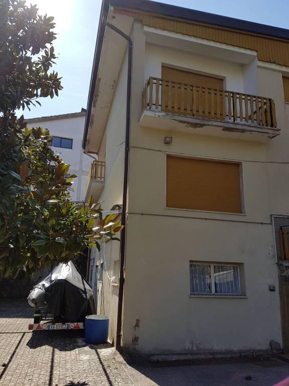 Villa da ristrutturare in vendita Rif. 7620862