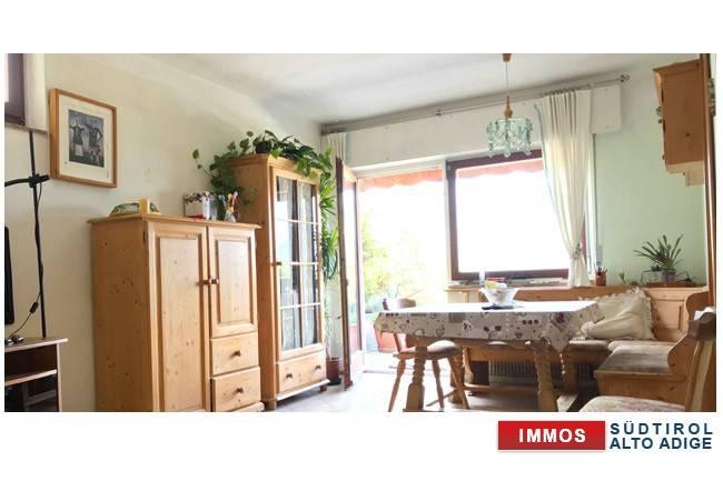 Appartamento in buone condizioni parzialmente arredato in vendita Rif. 7619553