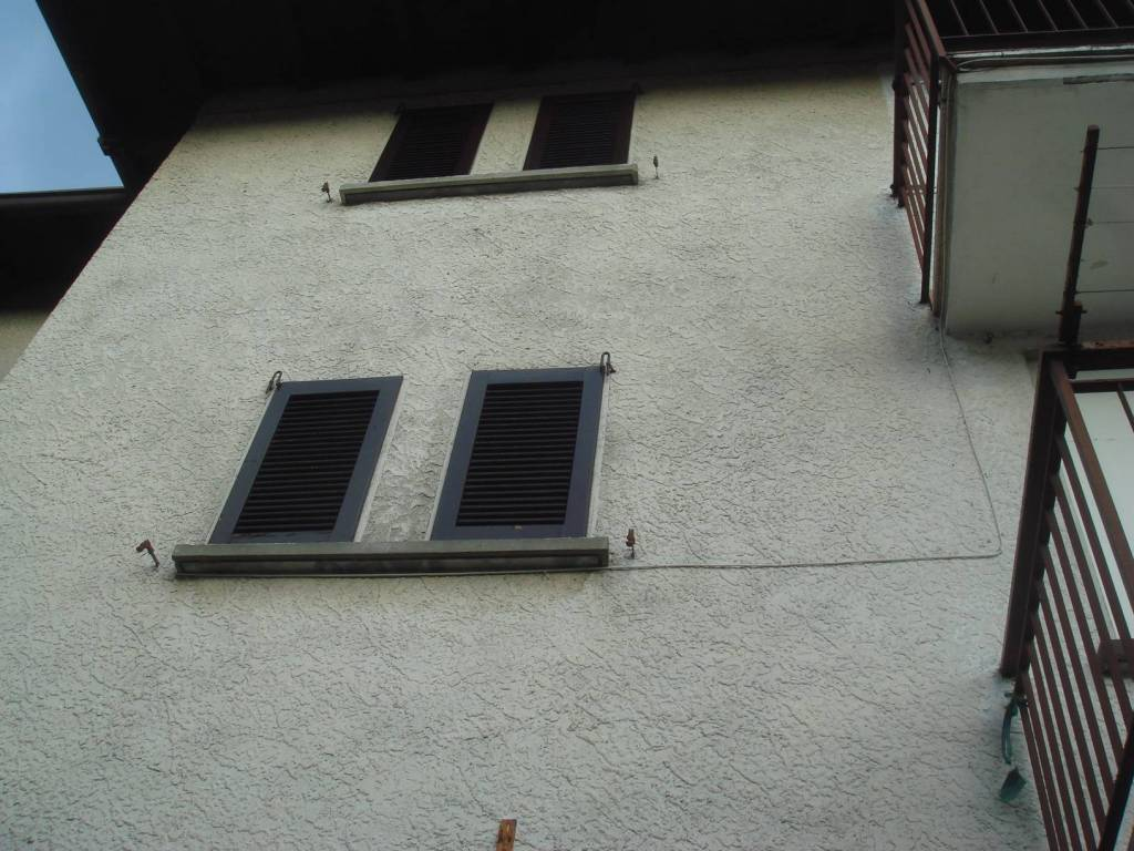 Appartamento in buone condizioni parzialmente arredato in vendita Rif. 7620787