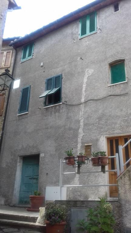Appartamento in ottime condizioni in vendita Rif. 7620868