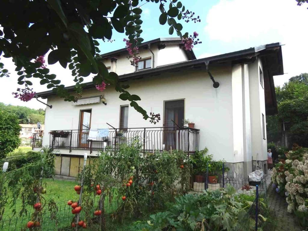 Villa in buone condizioni in vendita Rif. 7619648