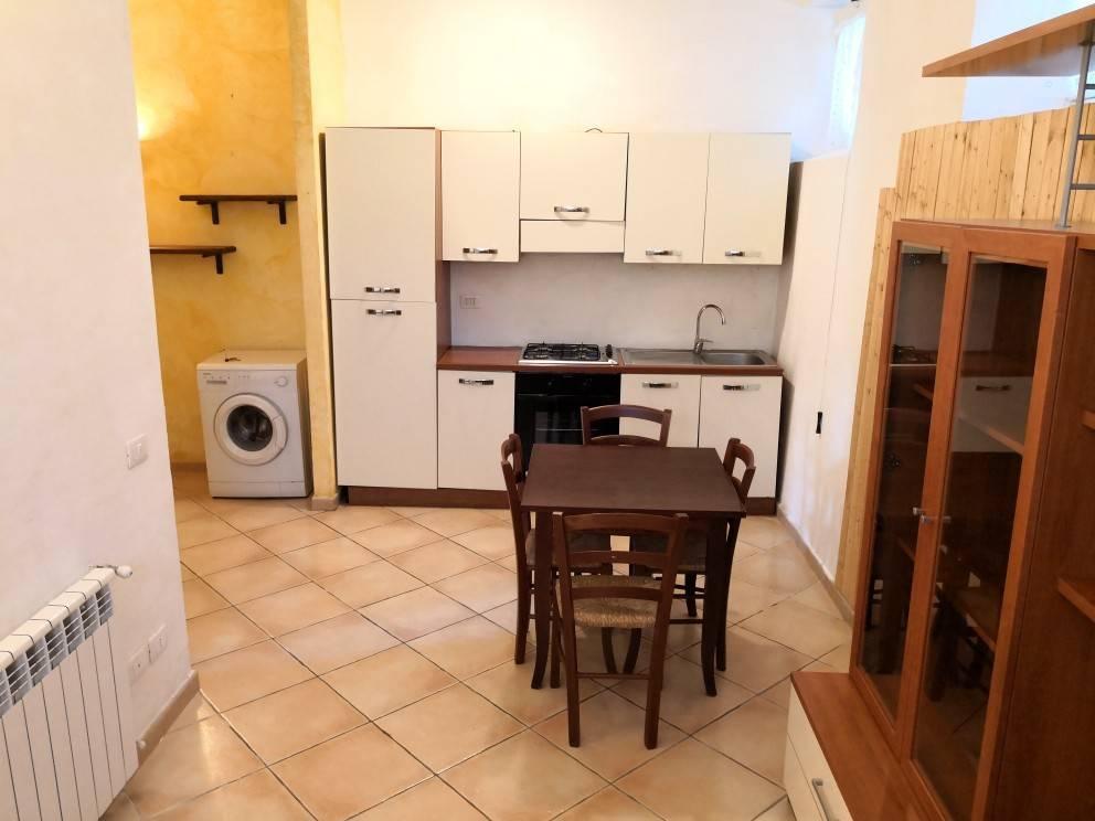 Appartamento in buone condizioni arredato in vendita Rif. 7619793