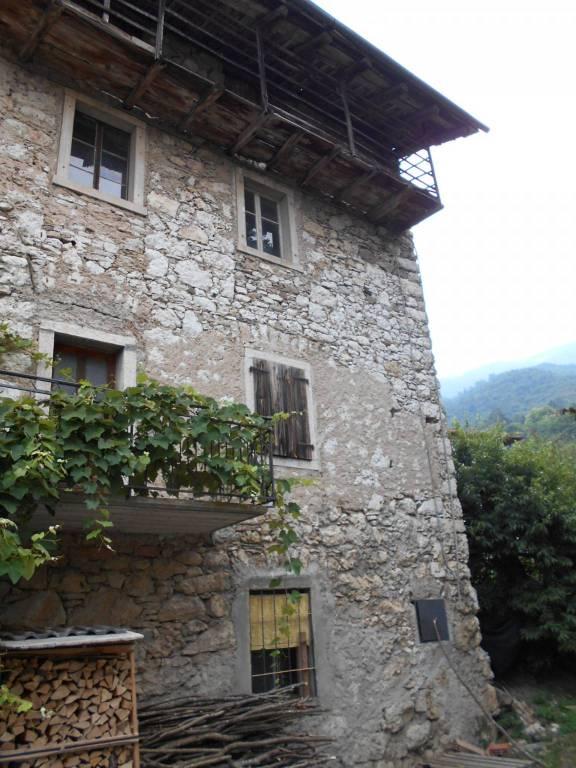 Rustico / Casale da ristrutturare in vendita Rif. 7620635