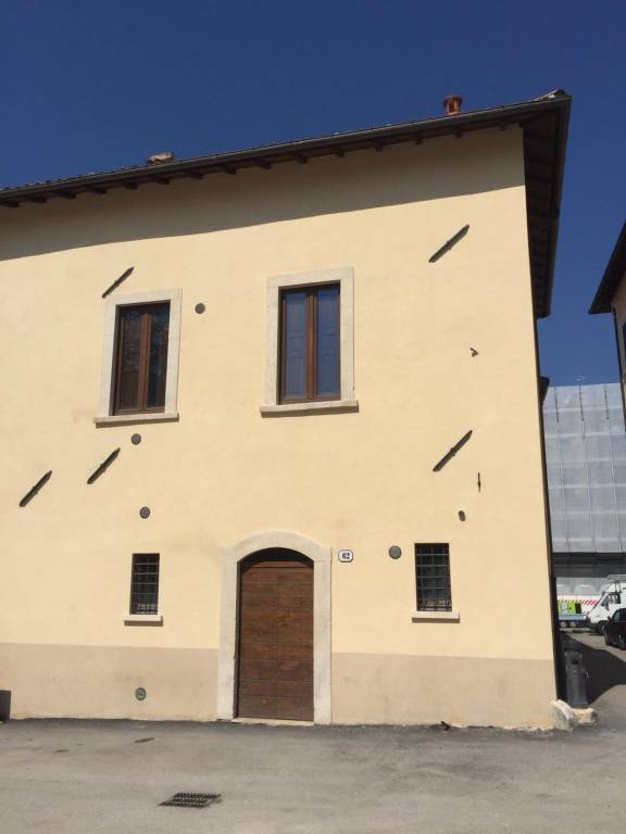 Appartamento in ottime condizioni in affitto Rif. 8999544