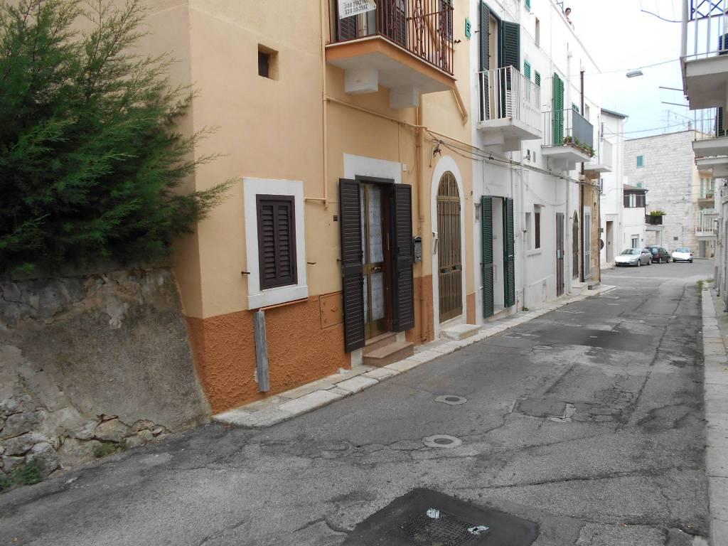Appartamento in buone condizioni in vendita Rif. 7631142