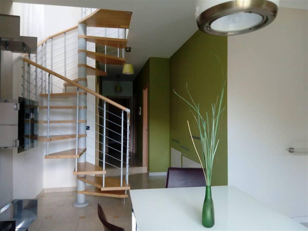 Appartamento in ottime condizioni in vendita Rif. 7632028
