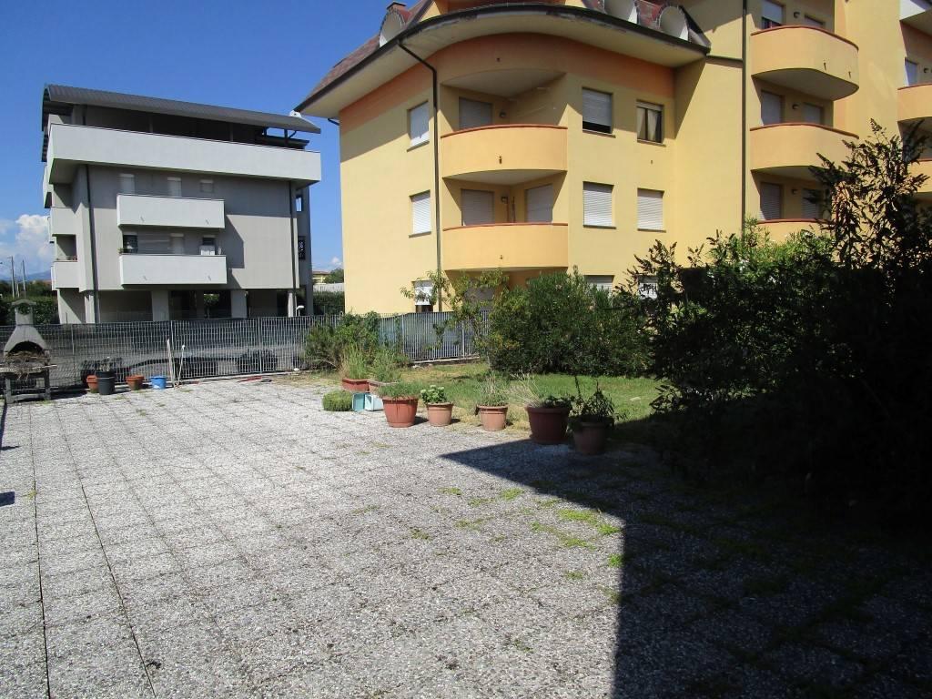 Appartamento in vendita a Borgomanero, 3 locali, prezzo € 140.000 | PortaleAgenzieImmobiliari.it
