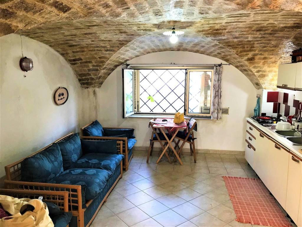 Casa Indipendente in buone condizioni parzialmente arredato in vendita Rif. 7631472