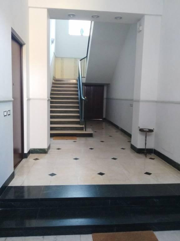 Appartamento in ottime condizioni arredato in affitto Rif. 7643526