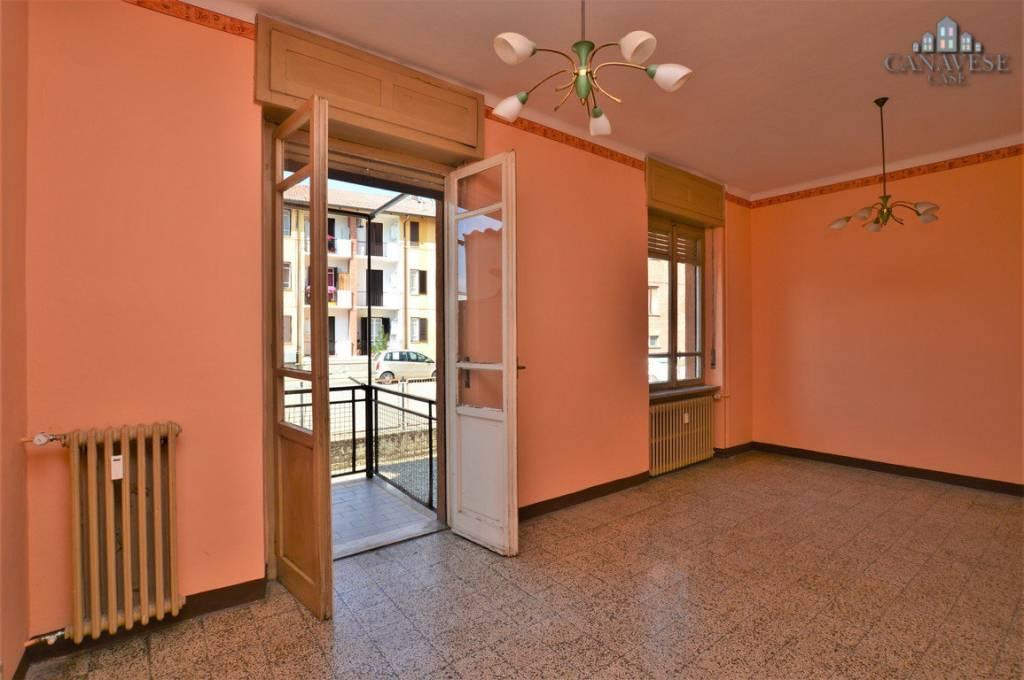 Appartamento in buone condizioni in vendita Rif. 7643516