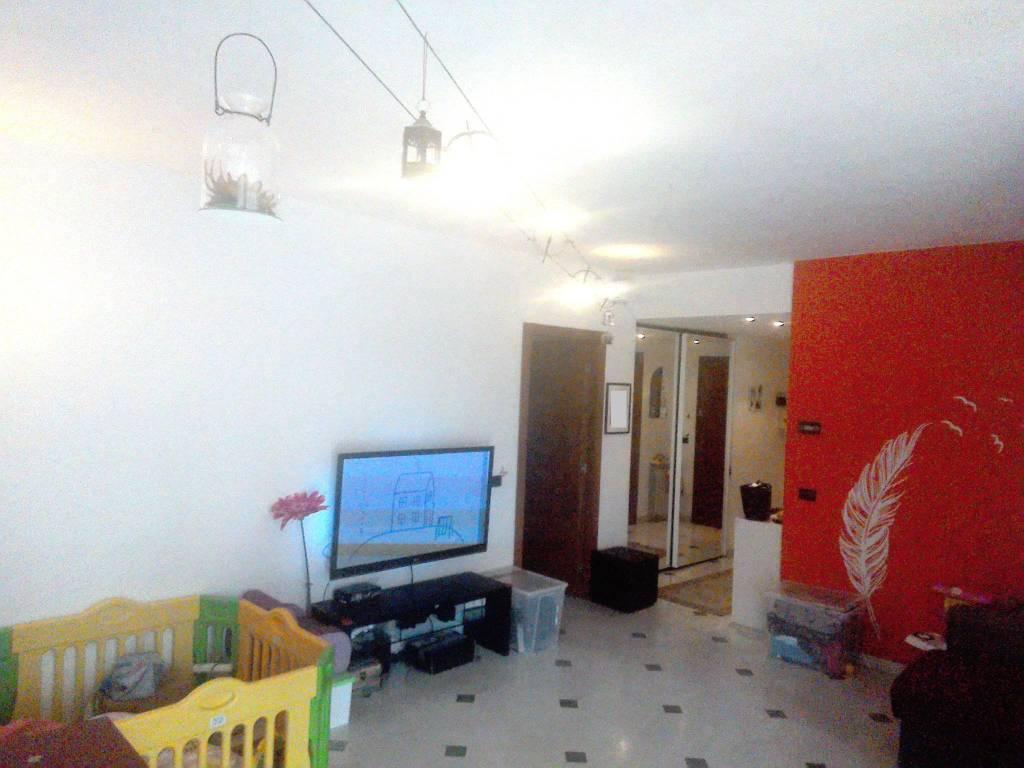 Appartamento in ottime condizioni parzialmente arredato in vendita Rif. 7643197