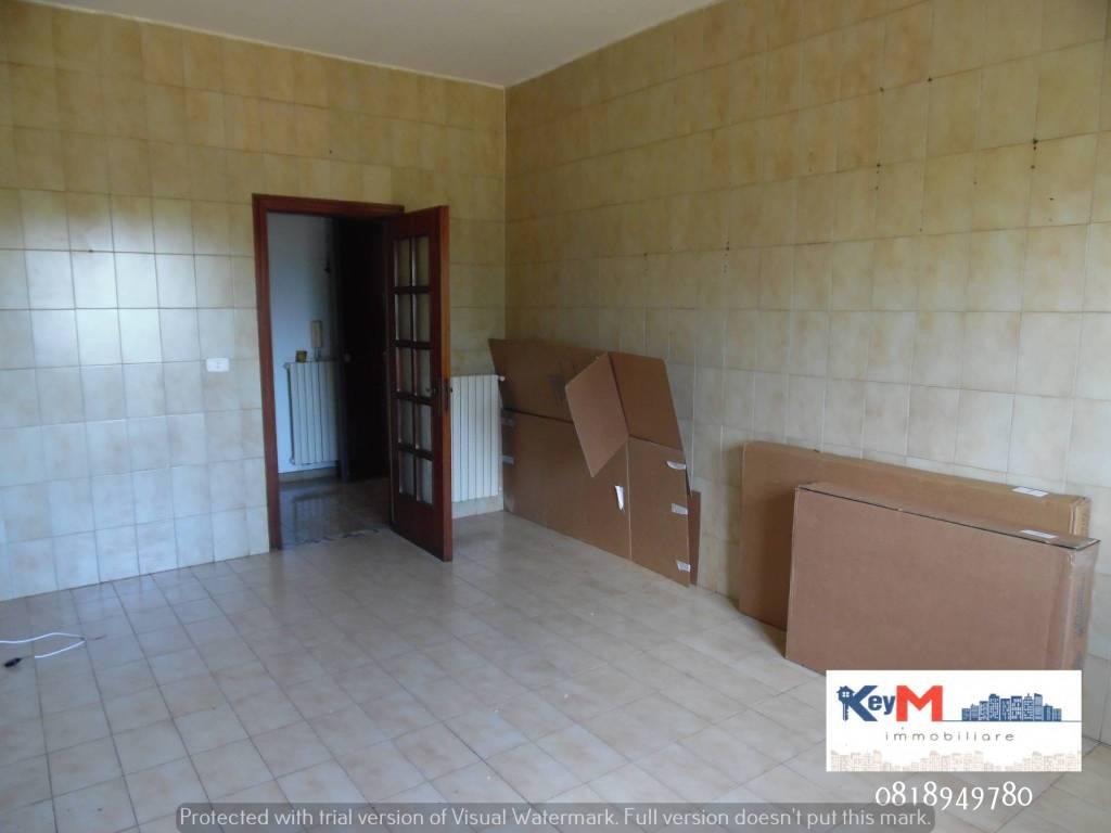 Appartamento in buone condizioni in affitto Rif. 7644143