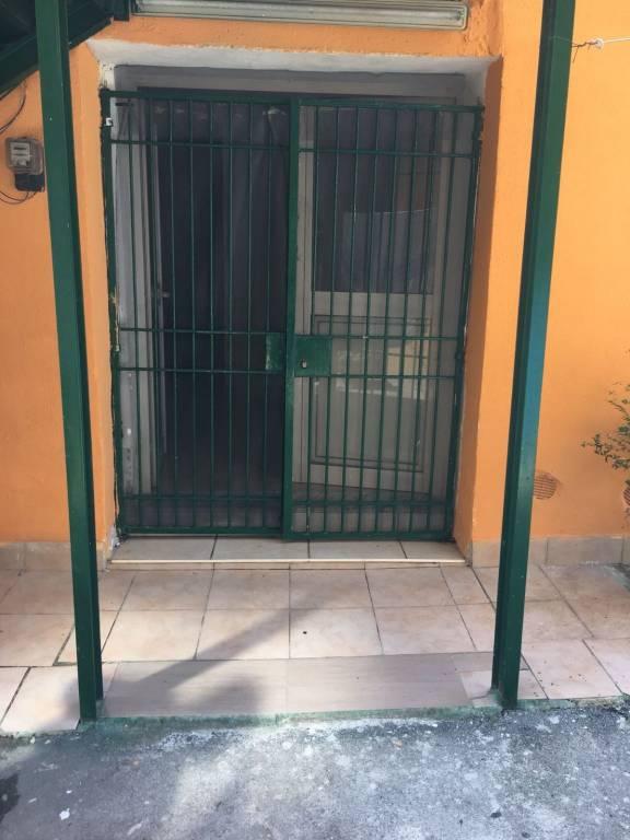 Appartamento in buone condizioni arredato in affitto Rif. 7644144