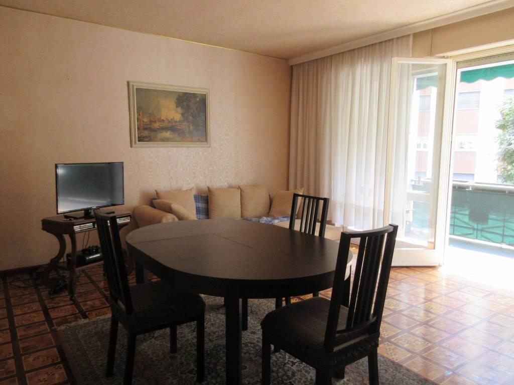 Appartamento in buone condizioni arredato in affitto Rif. 7567025