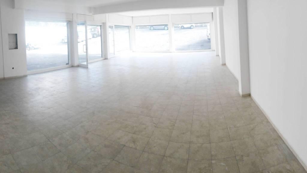 Latina - Via del Lido, Locale commerciale 5 vetrine mq 240 Rif. 7642707