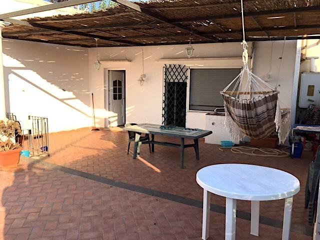 Appartamento in buone condizioni in vendita Rif. 7643737