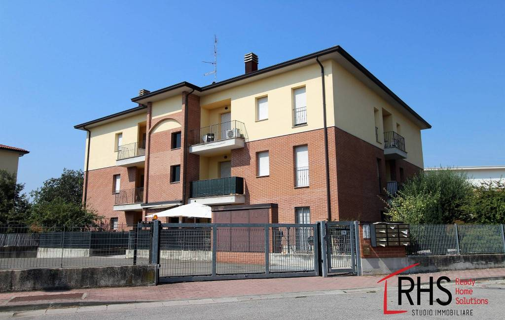 Appartamento in buone condizioni in vendita Rif. 7644142