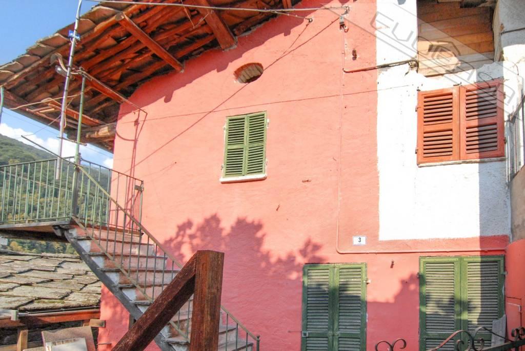 Foto 1 di Rustico / Casale Località Fucine, Rorà