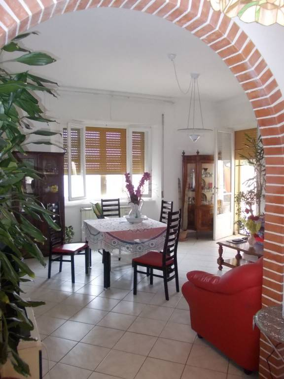 Appartamento in ottime condizioni in vendita Rif. 7656008