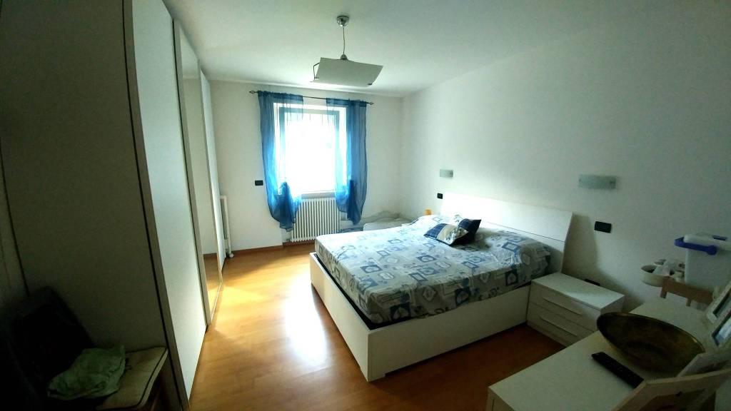 Appartamento in buone condizioni in vendita Rif. 7655253