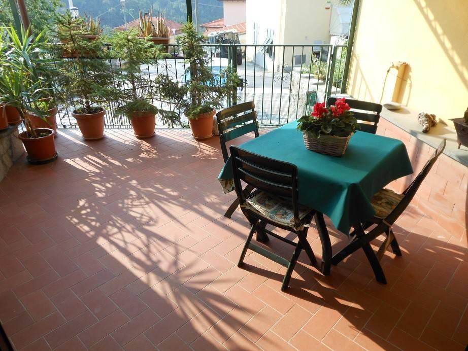 Appartamento in ottime condizioni arredato in vendita Rif. 7653861