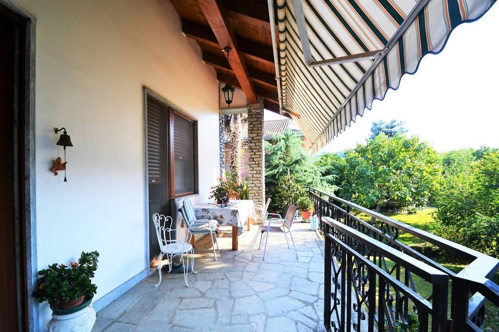Foto 1 di Villa via Galileo Galilei, Roletto